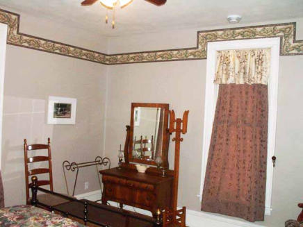 1 Room Suite on Second Floor, Queen Bed, View of Fisher Lake